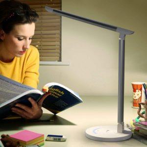 bien choisir une lampe de bureau LED : comparatif et critères à prendre en compte