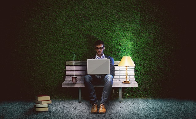 Pourquoi acheter une lampe de bureau : les raisons